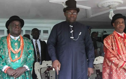 Bayelsa State Governor, Hon. Seriake Dickson (centre) Chairman of the State Traditional Rulers Council, HRM. King Godwin Igodo (left) during a courtesy call on the Obenebe of Epie, King Malla Sasime (right) during the Governor's thank you tour of Yenagoa Local Government Area at Igbogene