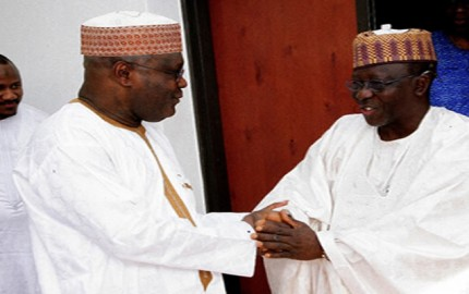 Former Vice President Atiku Abubakar receiving Governor Umaru Tanko Almakura of Nasarawa State, during the Governor's  visit to the chieftain of APC at his residence in Asokoro, Abuja over the weekend