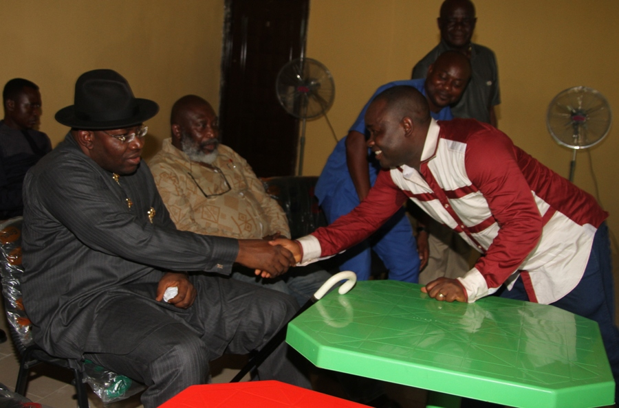 Bayelsa State Governor, Hon. Seriake Dickson (left) congratulating the Majority Leader of the Bayelsa State House of Assembly, Hon. Peter Akpe (right) shortly after emerging winner of the PDP Bayelsa State House of Assembly Primary election at  Ebedebiri/Angiama Ward 5 in Sagbama Local Government Area of the State at Ebedebiri, while the Leader of Ward 4 Ofoni, Hon. Osusu O Osusu (centre) looks on. Photo by Lucky Francis