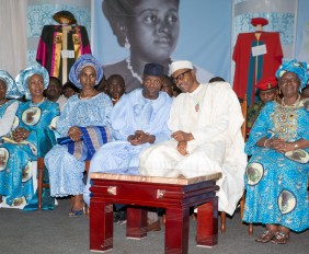 HID Awolowo 4: President Buhari with Vice President Prof. Yemi Osinbajo and his wife, Wife of the Senate President Mrs Toyin Saraki, Wife of the Speaker of House of Representative and One of the two surviving children of the Awolowos as President Buhari condoles the Awolowo Family over the death of the Matriarch, Late Mrs HID Awolowo in Ikenne Ogun state on 25th Nov 2015