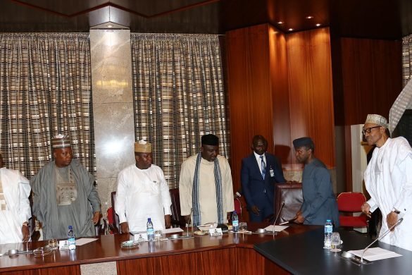 PRESIDENT BUHARI MET PROGRESSIVE GOVS' FORUMM2. R-L; President Muhammadu Buhari, Vice President Prof Yemi Osinbajo, Governors of Imo,, Owelle Rocharles Okorocha, Zamfara State Abdulazziz Yari, Borno State Alhaji Ibrahim Shettima and Adamawa State, Mohammed Bidow Jubrilla as President held meeting with the ALL Progressive Governors at the State House in Abuja. PHOTO; SUNDAY AGHAEZE. JULY 26 2016