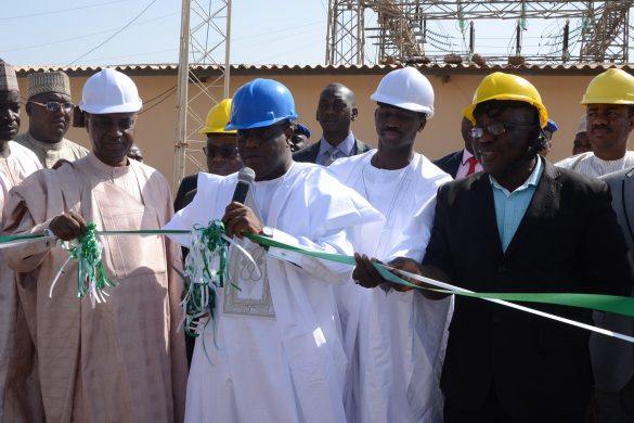 Governor Aminu Waziri Tambuwal with officials of the Transmission Company of Nigeria (TCN) after launching the newly-installed 60 MVA power transformer at the Sokoto Transmission Station...Wednesday 07/12/16
